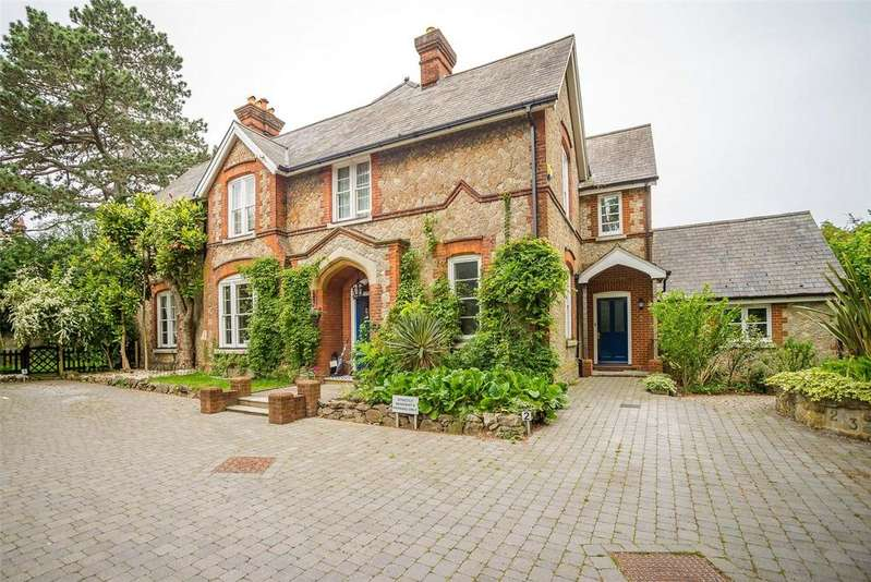 4 Bedrooms Semi Detached House for sale in St. Peters Mews, Somerfield Road, Maidstone, Kent, ME16