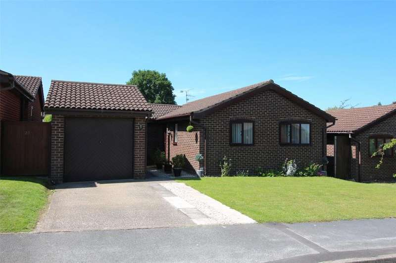 2 Bedrooms Detached Bungalow for sale in Daleside Avenue, Borras, Wrexham, LL12