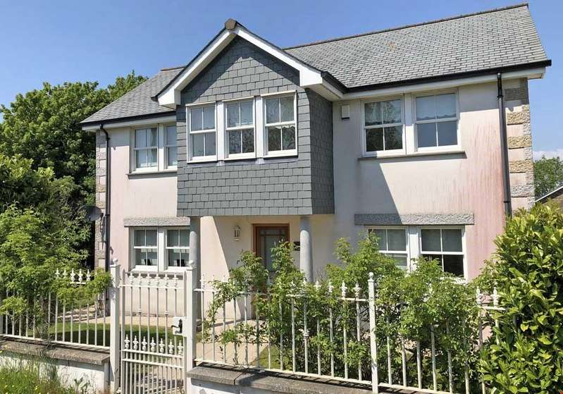 4 Bedrooms Detached House for sale in Threemilestone, Nr. Truro, Cornwall, TR3