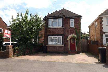 3 Bedrooms Detached House for sale in Blunham Road, Biggleswade, Bedfordshire