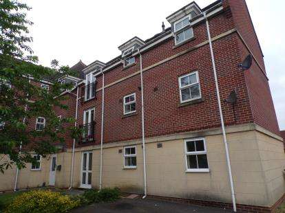 2 Bedrooms Flat for sale in Britton Gardens, Kingswood, Bristol, Gloucestershire
