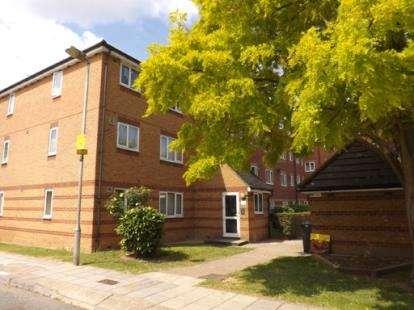1 Bedroom Flat for sale in Bream Close, Tottenham Hale, Haringey, London
