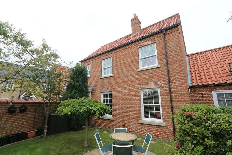 2 Bedrooms Detached House for sale in Turnor Close, Wragby, Market Rasen, Lincolnshire, LN8