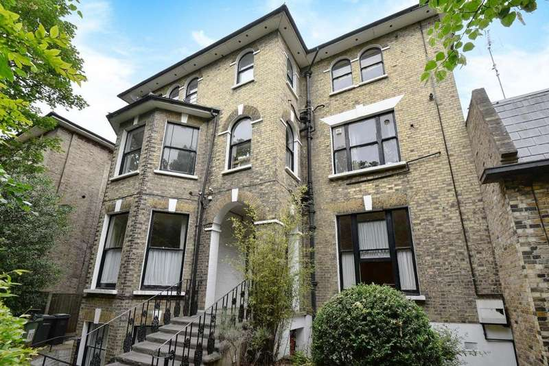 3 Bedrooms Flat for sale in Lewisham Way, Brockley