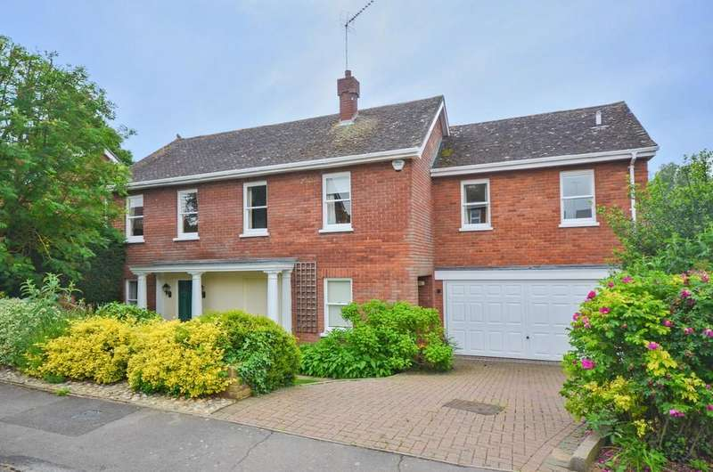 5 Bedrooms Link Detached House for sale in Chippingdell, Witham, CM8 2JX