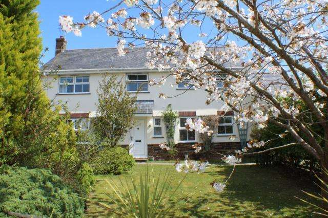 4 Bedrooms Detached House for sale in St Teath