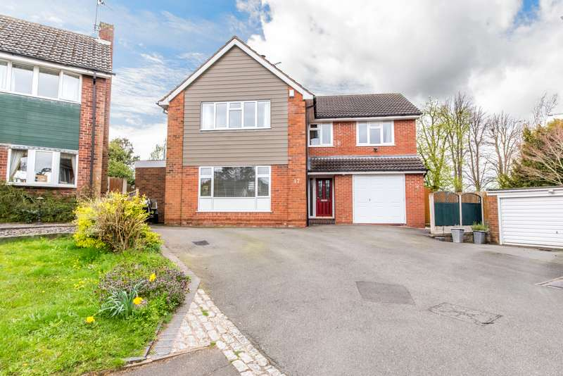 4 Bedrooms Property for sale in Summercourt Drive, Kingswinford