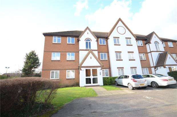 2 Bedrooms Apartment Flat for sale in Littlebrook Avenue, Slough