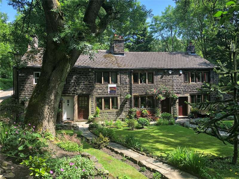 2 Bedrooms Terraced House for sale in Pingot, Buckstones Road, Shaw, Oldham, OL2