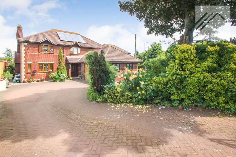 5 Bedrooms Detached House for sale in Central Wall Road, Canvey Island. - IN THE HEART OF CANVEY