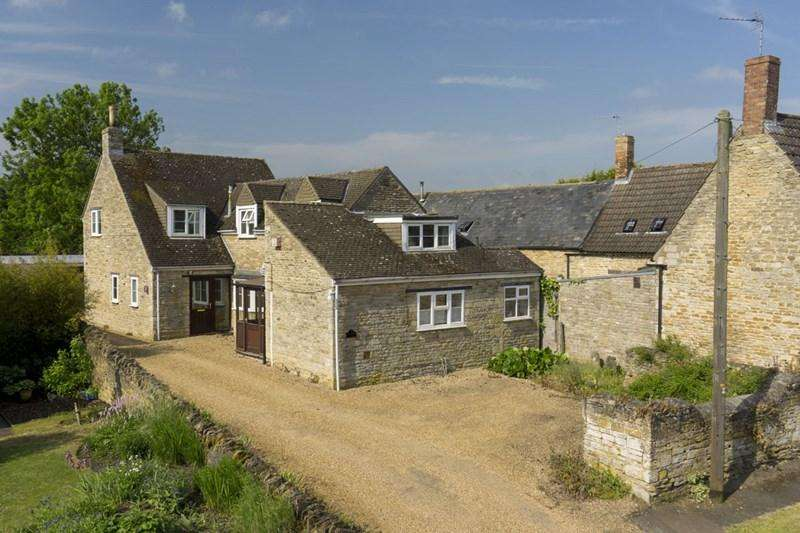 3 Bedrooms Village House for sale in Woodnewton, Nr Oundle, PE8