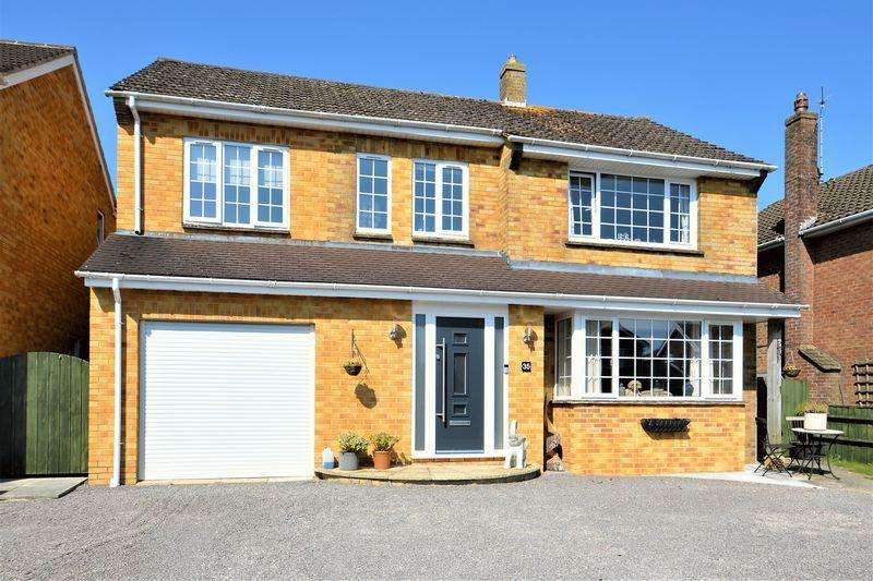 5 Bedrooms Detached House for sale in Ringsbury Close, Purton, Wiltshire