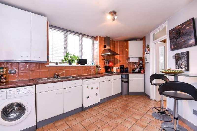 2 Bedrooms Flat for sale in Ridings Close, Highgate, N6, N6