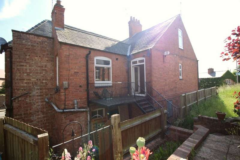 3 Bedrooms Property for sale in Forest Road, Huncote, Leicester, LE9