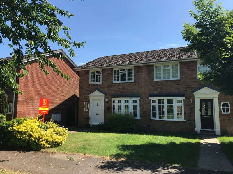3 Bedrooms Semi Detached House for sale in Dorchester Close, nr Pinkneys Green, Maidenhead