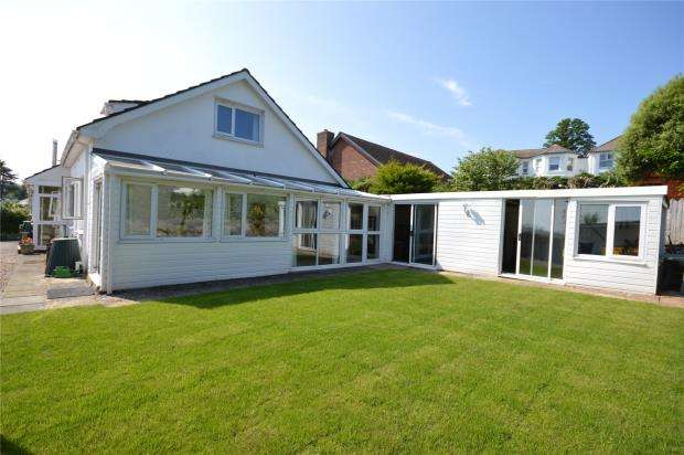 4 Bedrooms Detached Bungalow for sale in Ferndale Road, Teignmouth, Devon