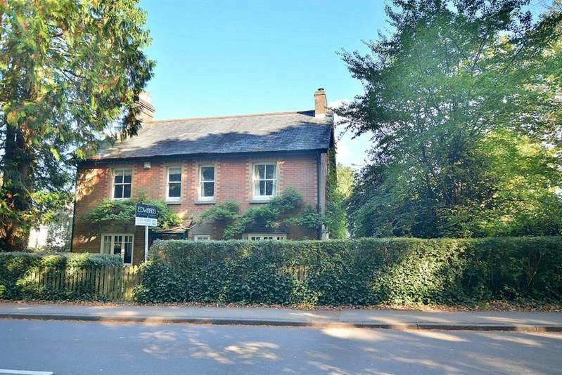 5 Bedrooms Detached House for sale in Smugglers Lane, Colehill, Wimborne