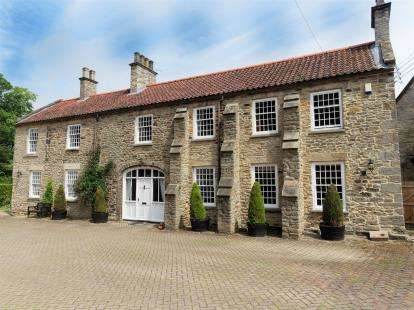 4 Bedrooms Detached House for sale in Fir Tree Grange, Howden Le Wear, Crook, Durham, DL15