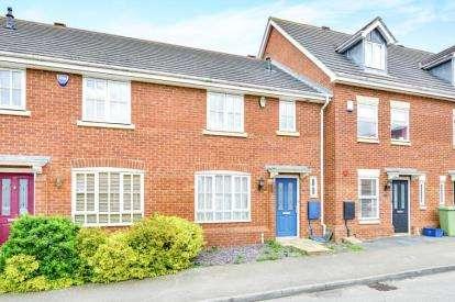 3 Bedrooms Terraced House for sale in Oriel Close, Wolverton, Milton Keynes