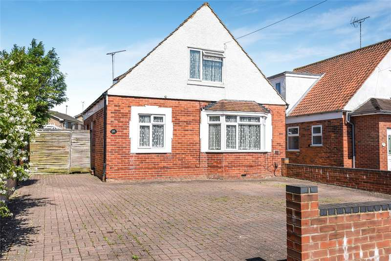 3 Bedrooms Detached House for sale in Whitley Wood Lane, Reading, Berkshire, RG2