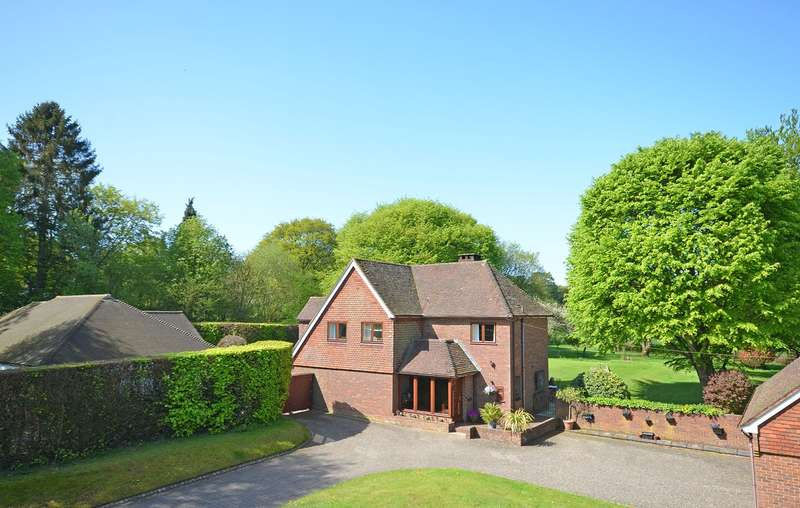 4 Bedrooms Detached House for sale in Farley Green