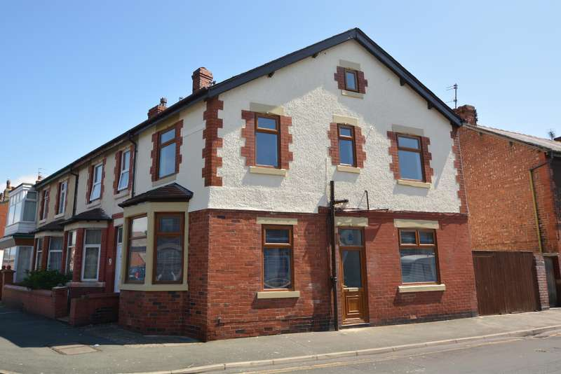 4 Bedrooms End Of Terrace House for sale in Milton Street, Fleetwood, FY7 6QW
