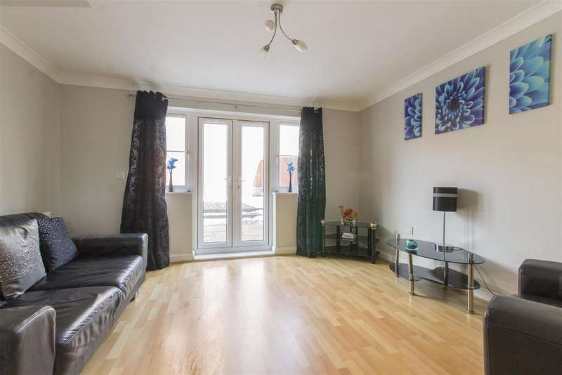 2 Bedrooms Semi Detached House for sale in Penncroft Lane, Danesmoor, Chesterfield