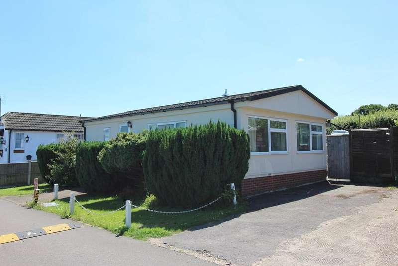 2 Bedrooms Park Home Mobile Home for sale in Whipsnade Park Homes, Whipsnade, Dunstable, LU6