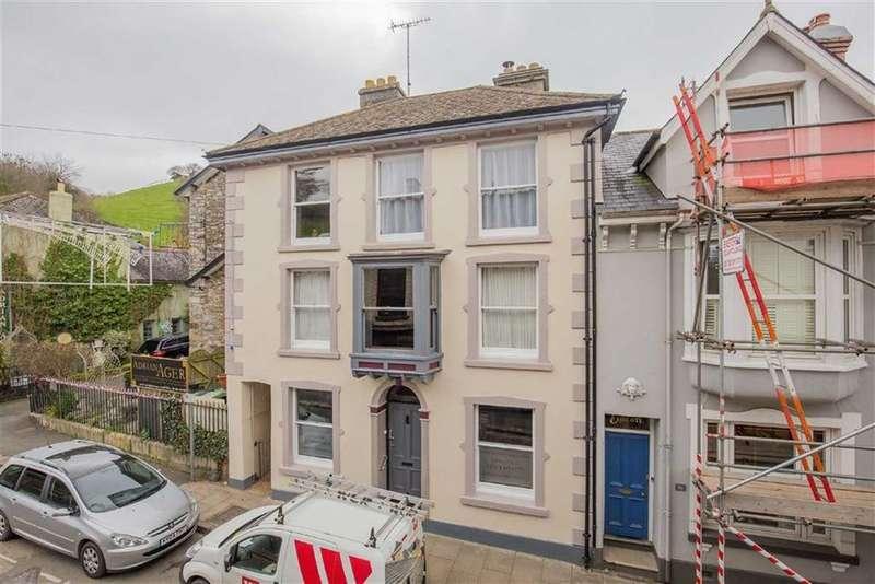 5 Bedrooms Semi Detached House for sale in North Street, Ashburton, Devon, TQ13