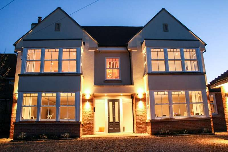 6 Bedrooms Detached House for sale in Church Road, Penn