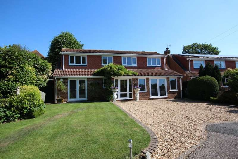 4 Bedrooms Detached House for sale in Durrington Hill, Worthing BN13 2PY