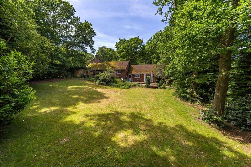 3 Bedrooms Detached Bungalow for sale in Woodland Rise, Studham, Dunstable, Bedfordshire