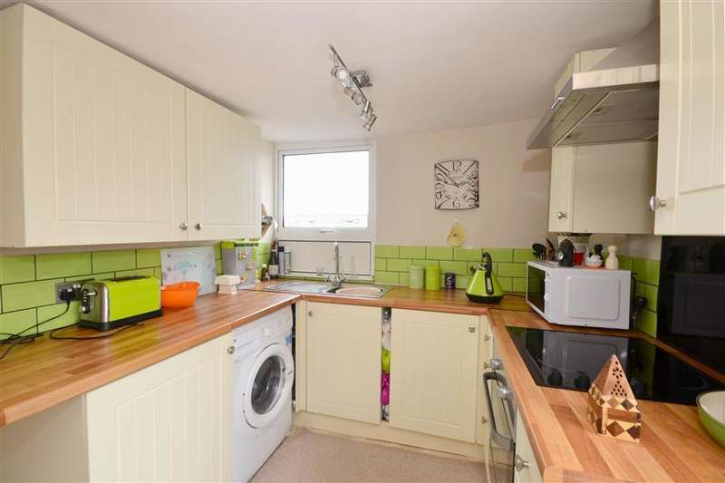 2 Bedrooms Apartment Flat for sale in Rye Road, Hawkhurst, Kent