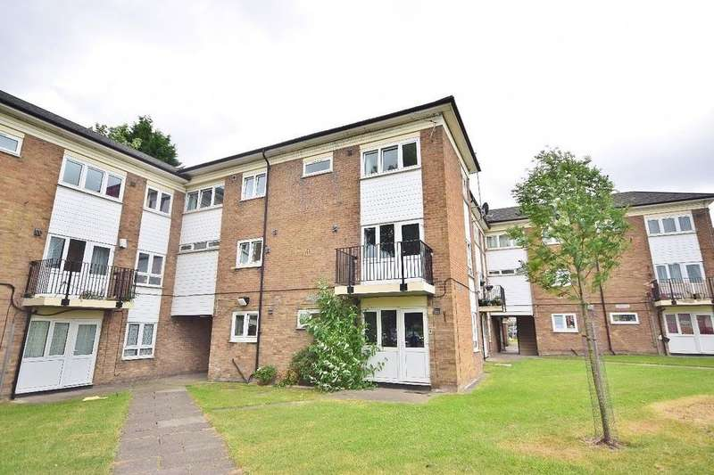 3 Bedrooms Apartment Flat for sale in Councillor Lane, Cheadle