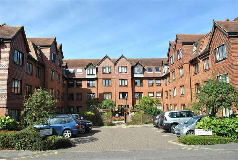 2 Bedrooms Flat for sale in Rosebery Court, Leighton Buzzard