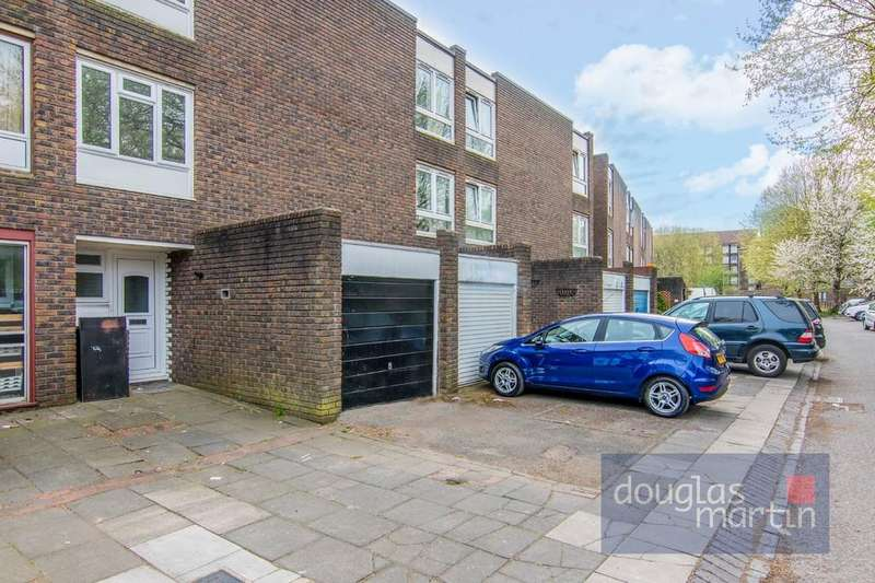 4 Bedrooms Town House for sale in Hawker, Everglade Strand, NW9