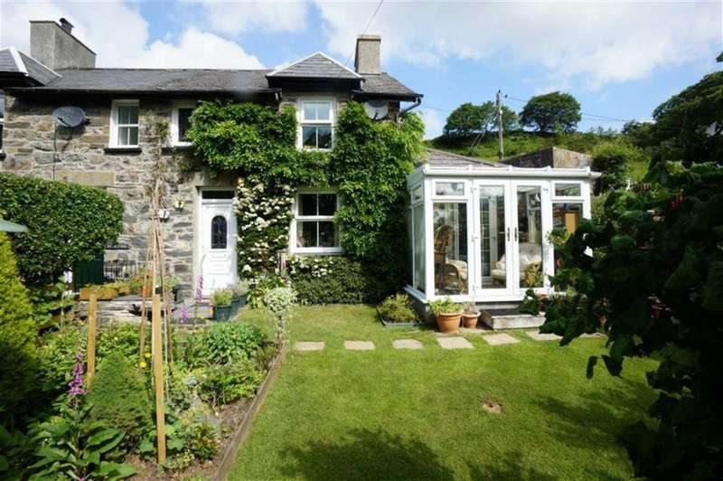 2 Bedrooms Semi Detached House for sale in Meredith Terrace, Dolwyddelan, Conwy