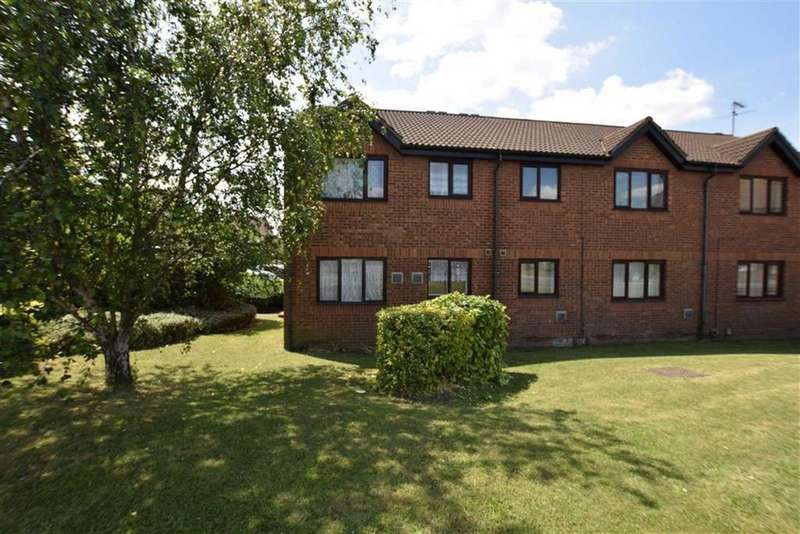 1 Bedroom Flat for sale in Oakley Close, Grays, Essex