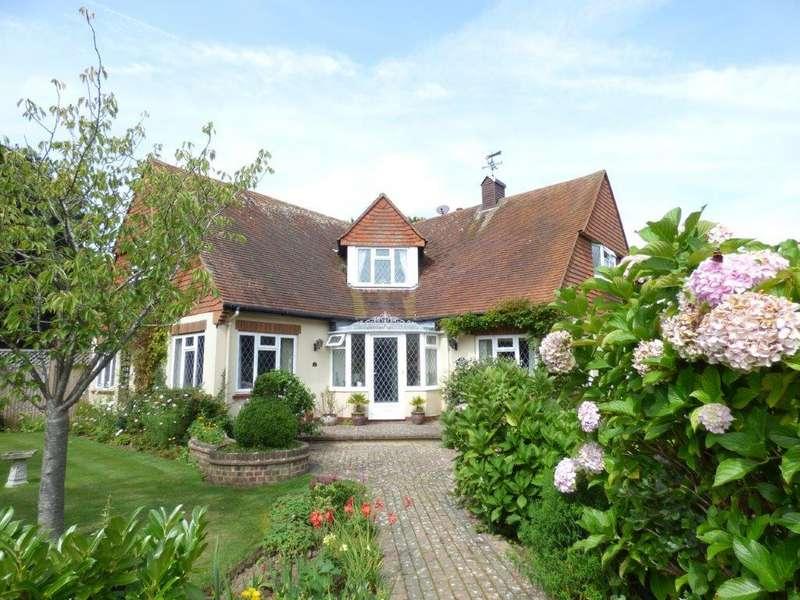 4 Bedrooms Detached House for sale in Kingsway, Craigweil Private Estate, Bognor Regis PO21