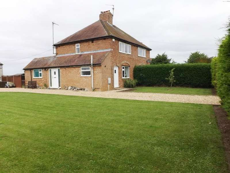3 Bedrooms Semi Detached House for sale in Holbeach St Marks