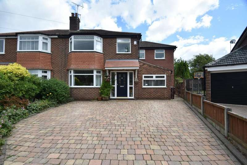 4 Bedrooms Semi Detached House for sale in Redcroft Road, Sale