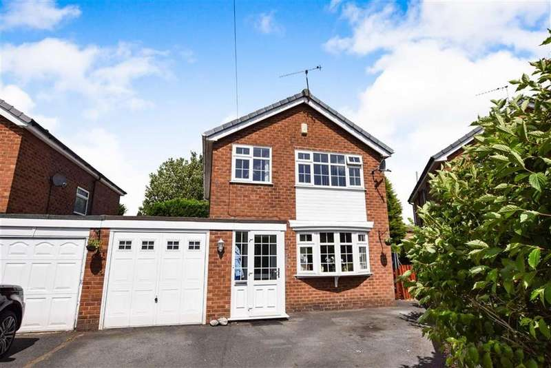 4 Bedrooms Detached House for sale in Riddings Court, Timperley, Cheshire, WA15