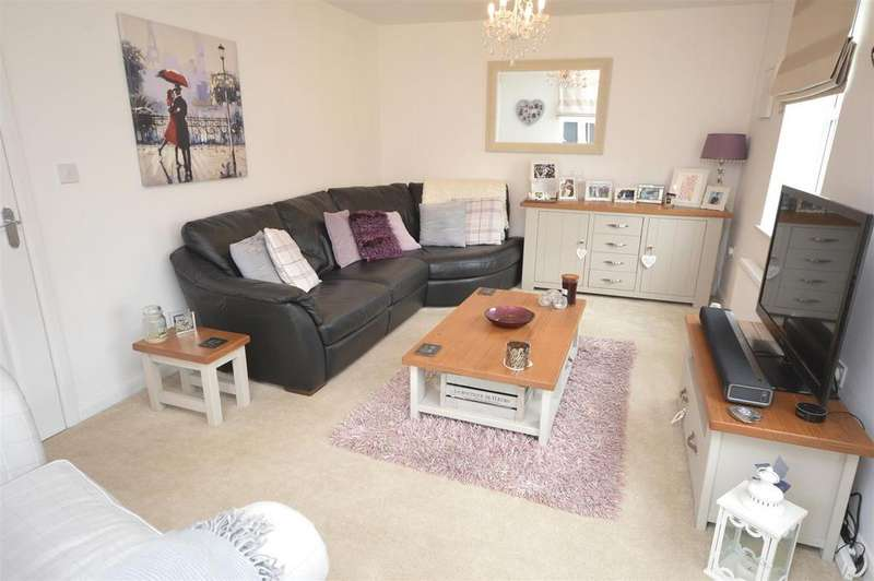 3 Bedrooms Detached House for sale in Patrons Drive, Elworth, Sandbach