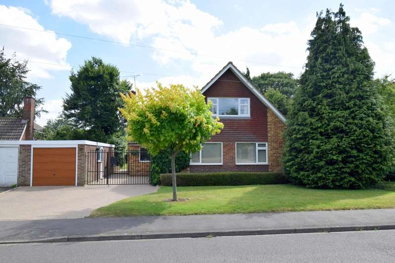 4 Bedrooms Detached House for sale in Farnham Lane, Slough, SL2