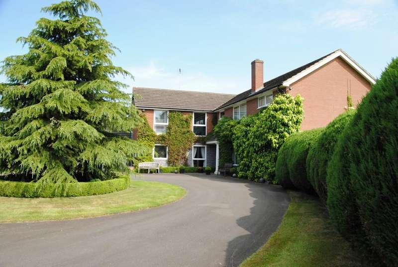 5 Bedrooms Detached House for sale in Elsham, North Lincolnshire