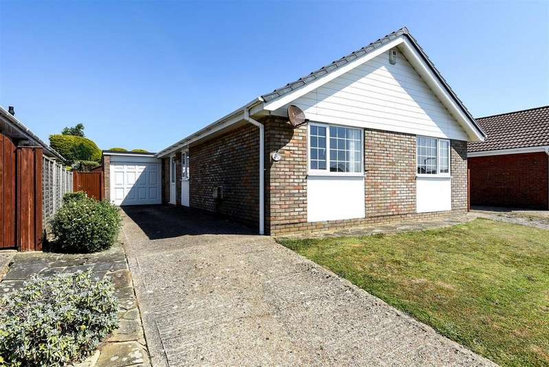 3 Bedrooms Detached Bungalow for sale in The Ridings, Seaford