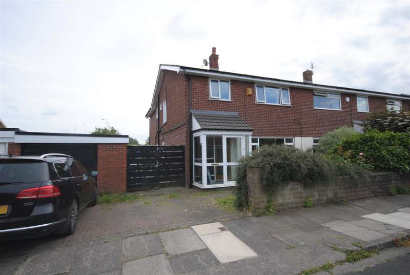 4 Bedrooms Semi Detached House for sale in Westfield Grove, Whitley, Wigan