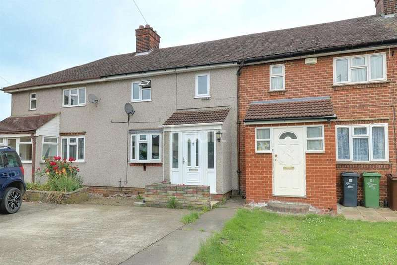 3 Bedrooms Terraced House for sale in Crescent Road, Dagenham