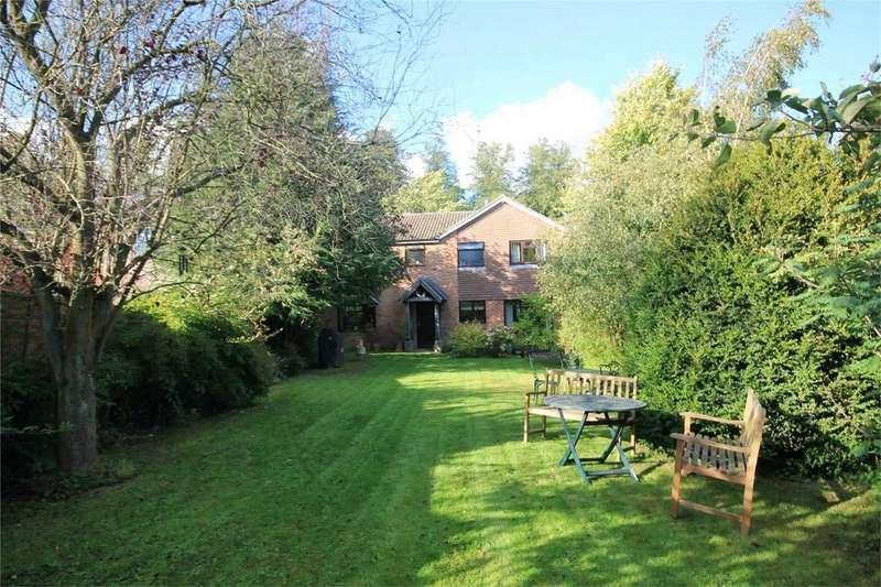 5 Bedrooms Detached House for sale in NEWBURY, Berkshire