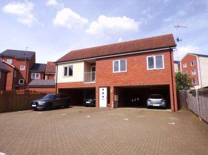 2 Bedrooms Maisonette Flat for sale in Sinatra Drive, Oxley Park, Milton Keynes, Buckinghamshire